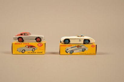 DINKY TOYS Ensemble de deux véhicules dans leurs boîtes comprenant: - Cunningham...