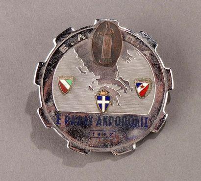 Badge rallye automobile Acropole 1957 Quelques...