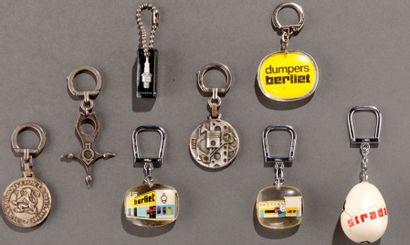Lot de 8 porte-clés