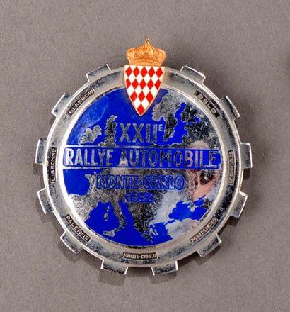 Badge rallye automobile Montecarlo 1952 Accidents...