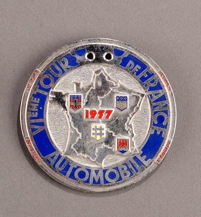 Badge rallye Tour de France Automobile 1...