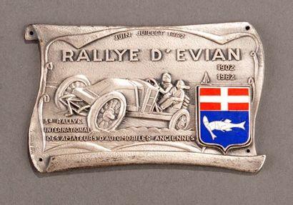Badge rallye automobile Evian 1962 Parfait...