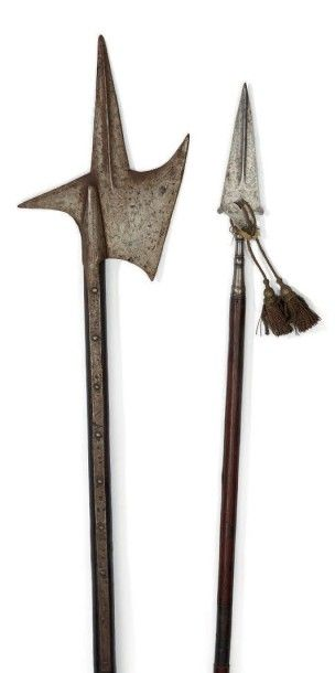Hallebarde de style XVIème, avec sa hampe...