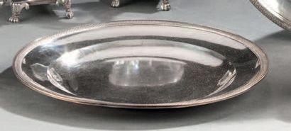 Petite assiette ronde en argent. Paris 1798-1809....