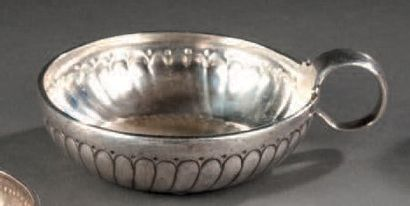 Tastevin en argent godronné. Orléans 1744-1746....
