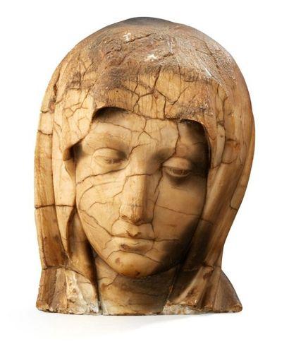Tête de Vierge en marbre blanc Représentée...