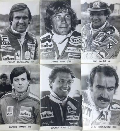 Lot comprenant 6 photos de pilotes de Formule...