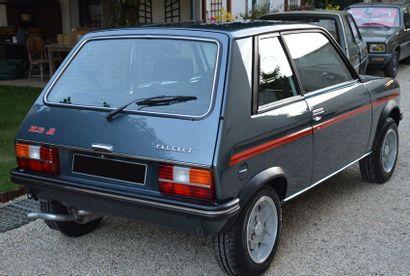 1979 - PEUGEOT 104 ZS2 Au salon de Paris de 1972, Peugeot présente la 104 Berline....
