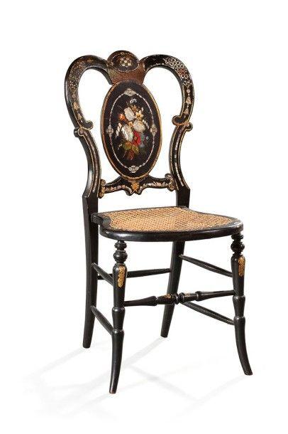 Chaise de musicien en bois noirci à décor...