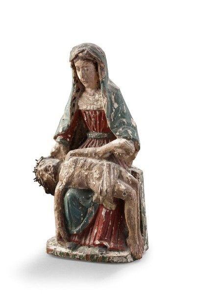 ECOLE FRANCAISE DU XVIIème SIECLE Pietà Sujet en bois sculpté polychrome