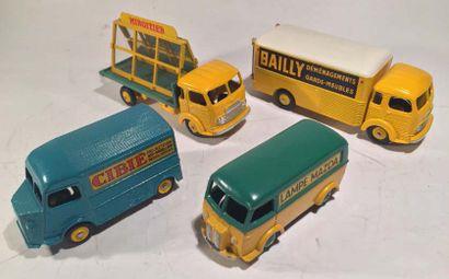 Lot de 4 camions DINKY TOYS comprenant un...
