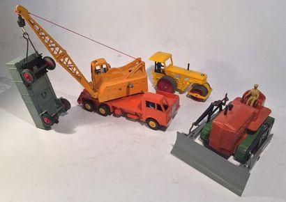 Lot de 4 materiels de travaux publics DINKY...