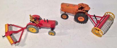 Lot de 3 matériels agricoles DINKY TOYS comprenant...