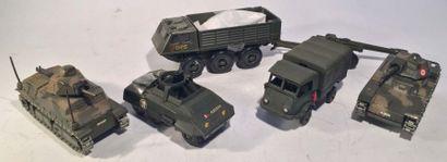 Lot de 6 engins militaires SOLIDO comprenant...