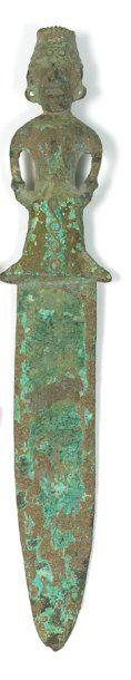 Dague Bronze. L.: 27,5 cm Vietnam. Culture de Dông Son. ca 5°-1° bc Belle dague...