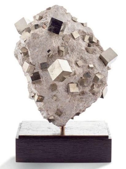 Pyrite, Navajun, Espagne. (130.000.000 d'années)...