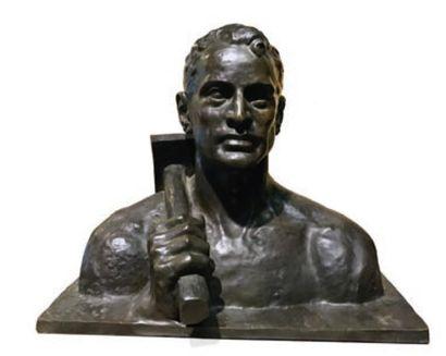 HOMME AU MARTEAU Bronze par E. Monier Fonderie...