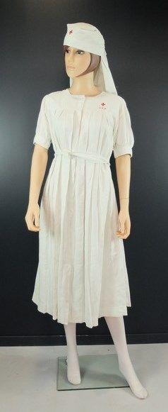 Mannequin d'une infirmière SDM: voile, robe...