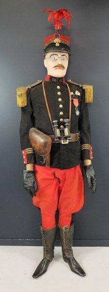 Mannequin de Capitaine du 58ème: képis,...