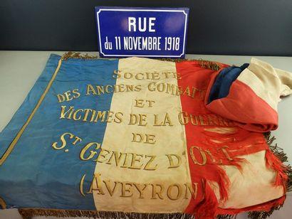 Drapeau tricolore à texte uni-face «Société...