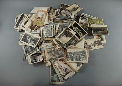 Lot de 1100 environ cartes postales diverses.
