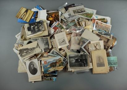 Lot de 1100 environ cartes postales et cartes...