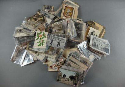 Lot de 800 environ cartes postales principalement...