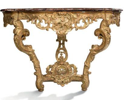 CONSOLE D'APPLIQUE en bois sculpté et doré....