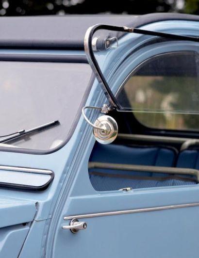 1961 - CITROËN 2CV AZLP Concept génial, la Citroën 2 CV est une voiture simple et...