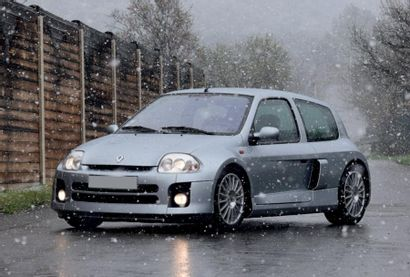 2001 - RENAULT CLIO V6 PHASE 1