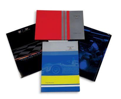 GM RACING - CHRYSLER RACING Lot de 4 dossiers de presse présentant les écuries pour...