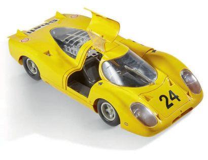 JOUSTRA Porsche 917 jaune filoguidée échelle 1/10 On joint une Ferrari P4 filogidée...