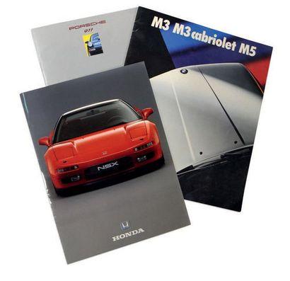 Documentation automobile Lot de 2 catalogues présentant les BMW M3 E30, M3 cabriolet...