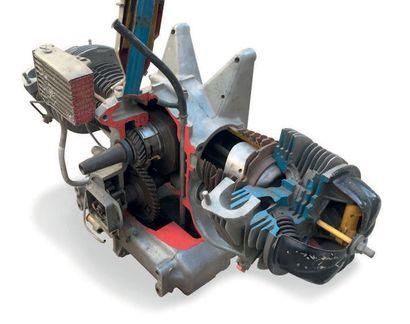 Eclaté d'un moteur de Citroën 2 CV L'ensemble...