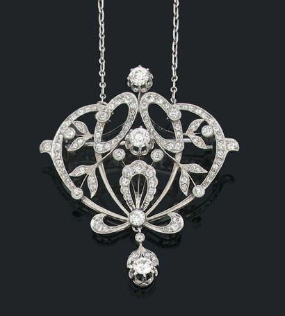 """Collier """"guirlande"""" en or gris 18k (750) serti de diamants de taille ancienne. Début..."""