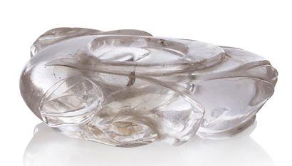 CHINE XIXE SIÈCLE Godet de peintre en cristal de roche en forme de bouton de lotus....