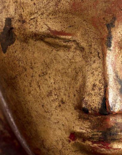BIRMANIE FIN XVIIIE SIÈCLE Grand bouddha allongé en parinirvana, en bois sculpté...
