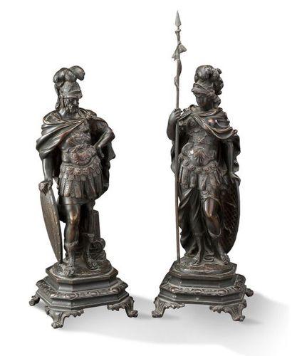 STATUETTES en bronze ciselé et patiné brun...