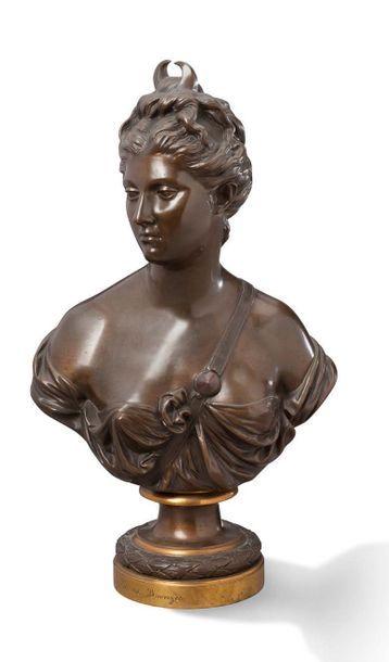 BUSTE DE DIANE sculpture en bronze à patine...