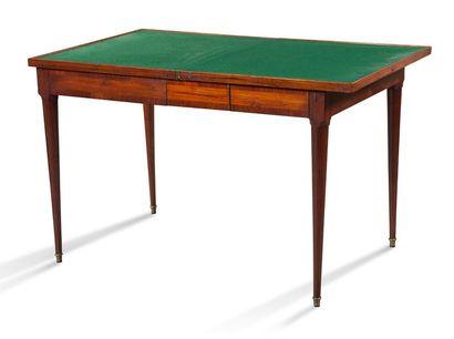 TABLE À JEUX en marqueterie de bois de rose de cubes sans fond et filet de bois....