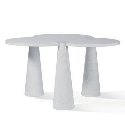 ANGELO MANGIAROTTI (1921-2012) Table de la série Eros Marbre 73 x 115 x 119 cm. Date...