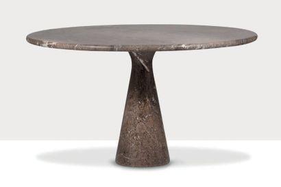 ANGELO MANGIAROTTI (1921-2012) Table dite M1 Marbre 72 x 126 cm. T 70, 1969 Références:...