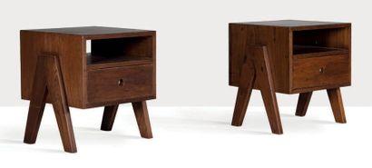 Pierre Jeanneret (1896-1967) Suite de 2 chevets dit bedside table Teck 54 x 46 x...