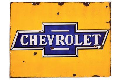 CHEVROLET Plaque en tôle émaillée Etat moyen, éclats et trous Dim: 75 X 100 cm e...