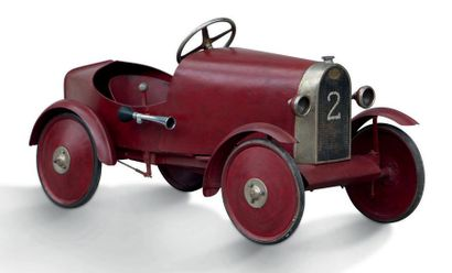 EUREKA Voiture à pédales en tôle Modèle BB 28 - 1928 Frappe à froid: 12 - 28 Très...