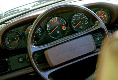 1986 PORSCHE 911 CARRERA 3.2 CABRIOLET Matching numbers et bien optionnée Superbe...