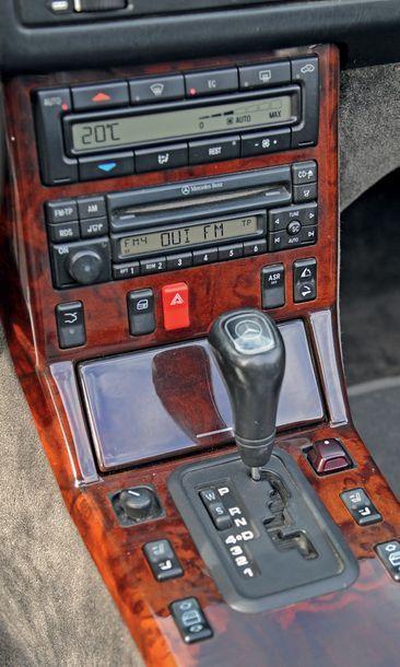 1999 MERCEDES BENZ SL 280 Carnet d'entretien Mercedes 137 000 km d'origine Estimation...
