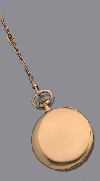 MOVADO Vers 1910. Belle montre de poche Savonnette en or 18K. Cadran argenté, aiguilles...