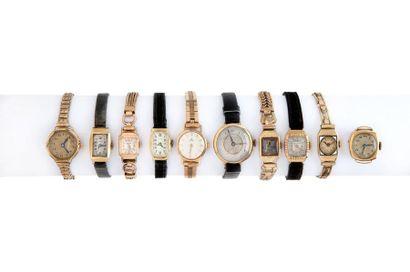 LOT de 10 montres de dame. Poids total brut...