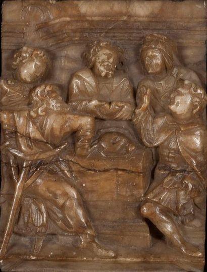 PLAQUE en albâtre sculpté en bas-relief représentant...